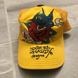 DON ED HARDY HAT YELLOW TOP HAT BIRD ROSE DESIGN